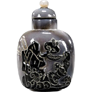 Carved Cameo Agate Snuff Bottle, Circa 1900