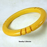 Vintage Butterscotch Carved Bakelite Bangle Bracelet