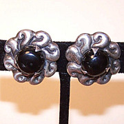 Vintage Mexican STERLING SILVER Screwback Earrings with Large Onyx Cab!