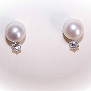 Vintage 14K Gold, 8.5mm Cultured Pearl & .40CT TW Diamond Earrings!