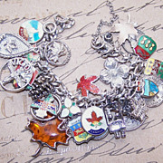 Vintage STERLING SILVER Charm Bracelet with  28 Canadian Charms!