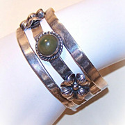 Vintage MEXICO SILVER Cuff Bracelet with Dyed Green Onyx Cab!