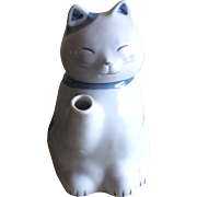 Vintage Takahashi blue and white cat teapot
