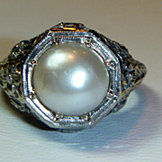 SALE Vintage 18K White Gold filigree Pearl Ring