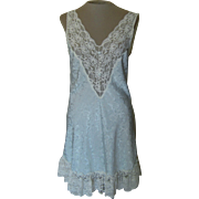 Short Light Blue Val Mode Nightgown with Off-White Lace