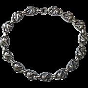 Sculptural Leaf Design Links Silver Plated Necklace