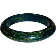 Chunky End-of-the-Day Green & Yellow Bakelite Saucer Bracelet