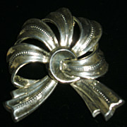 Boucher Parisina Mexican Sterling Silver Bow Brooch
