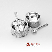 Set Of 2 Repousse Individual Open Salt Dishes With Individual Salt Spoons Sterling Silver S Ki