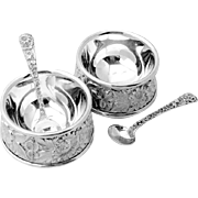 Set Of 2 Repousse Individual Open Salt Dishes With Individual Salt Spoons Sterling Silver S ..