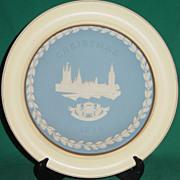 Vintage Wedgwood Jasperware Christmas Plate 1974 Houses of Parliament with Wood Frame