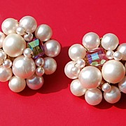 SALE Vintage Faux Pearl Cluster Clip Earrings