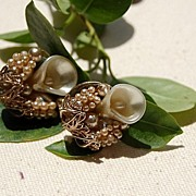 REDUCED Vintage Faux Pearl & Shell Gold Tone Screw Back Earrings