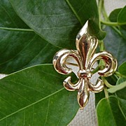 REDUCED Victorian 14K Gold  Puffy  Fleur D Lis Watch Pin Or Brooch