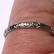 REDUCED Vintage 18 K  Gold Decorative Wedding Band Ring