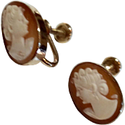 Vintage Van Dell Cameo Screw Back Earrings