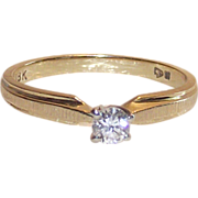 18 Kt Yellow Gold Diamond Ring  sz 5.75