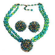 SALE Turq/Aqua and Lime Bi-Colored Beaded Necklace with Center Flower Detail and Earrings
