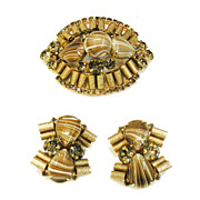 SALE Swirling Coffee Au Lait Glass Stone and Textured Metal Brooch and Earrings