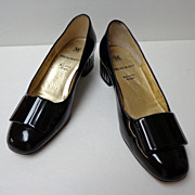 "Bruno Magli Shoes.  Italian designer. 1 ½"" heel. Black Patent Leather. Size 5  B.  Quality"