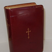 LIVRE D'OR DES AMES PIEUSES.  Exquisite French Prayer Book.  1911 Leather .  Mint condition!