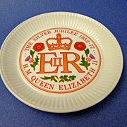 Wedgwood England Silver Jubilee of QEII 1952-1977 Plate.  Mint Condition.