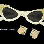 1950's White plastic cat-eye rockabilly sunglasses w/matching earrings