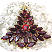 SALE Fiery Red DOMINIQUE Glass CHRISTMAS Tree Brooch w/ the 'Look of Stained Glass'