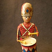 """SOLD Louis Marx Litho Wind-Up """"George The Drummer Boy"""" Tin Toy"""