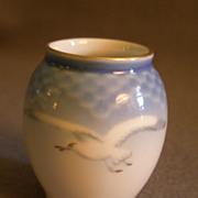 """SOLD Bing & Grondahl Porcelain """"Seagull"""" Miniature Vase #671"""