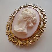 Vintage Gold Angel Skin Coral Cameo Pendant Brooch