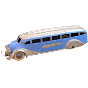 Tootsietoy 1930's Deluxe Greyhound Bus with metal bottom