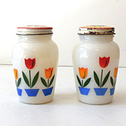 SALE 1950s Fire King Milk Glass Tulips Salt & Pepper Shakers