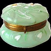 Green Victorian Wavecrest Lidded Dresser Jar
