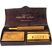 Vintage 1930s Valet AutoStrop Safety Razor in Metal Box