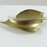 REDUCED Vintage Large Corocraft Gold Tone Brooch