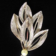 REDUCED Vintage BSK Textured Gold Tone Leaves Brooch Pin Faux Pearl