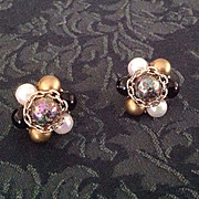 Bead cluster clip earrings Japan