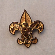 1911 Gold tone Boy Scout pin