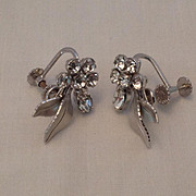 Krementz silvertone and rhinestone screw back earrings