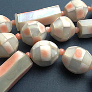 Big Chunky Vintage Retro Pink Pastel Mother of Pearl Necklace