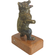 Vienna Bronze paperweight featuring a standing bear, early 20th century