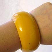 Extra Wide & Chunky Butterscotch Bakelite Bangle Bracelet