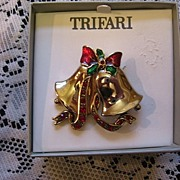 SALE Trifari Christmas Rhinestone Bell Pin