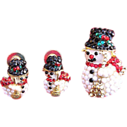 SALE Charming Rhinestone Snowman Pin and Earring Set