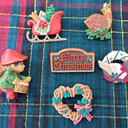 SALE Hallmark Christmas Pin Lot 1