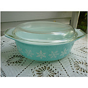 Pyrex Snowflake Oval 043 Casserole 1.5 Qt With Lid