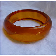 SALE Honey Tangerine Chunky Prystal Bakelite Bangle Bracelet
