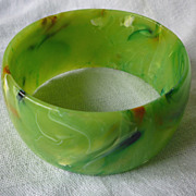 SALE Fabulous Swirl End of the Day Domed Lucite Bangle