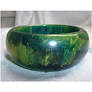 Dramatic  Swirls Green and Yellow Chunky Bakelite Bangle Bracelet